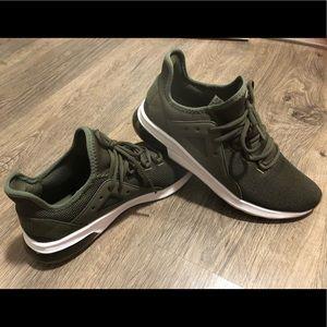 Puma Optimal Comfort Olive Green Tennis Shoes